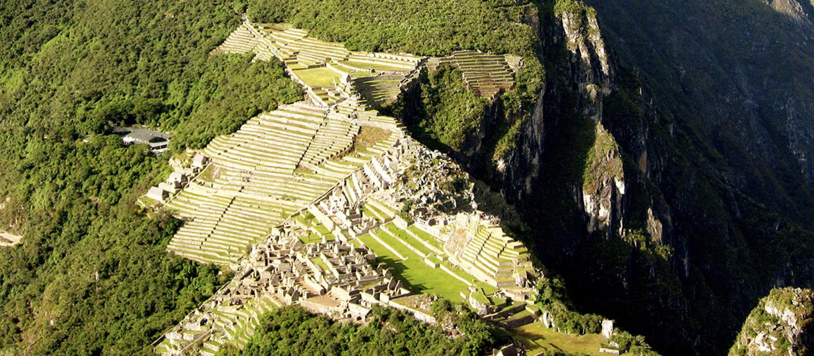 Vista Panoramica Huaynapicchu Machupicchu - ViajesLA Cusco Peru
